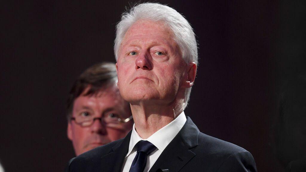 El expresidente Bill Clinton, hospitalizado en California