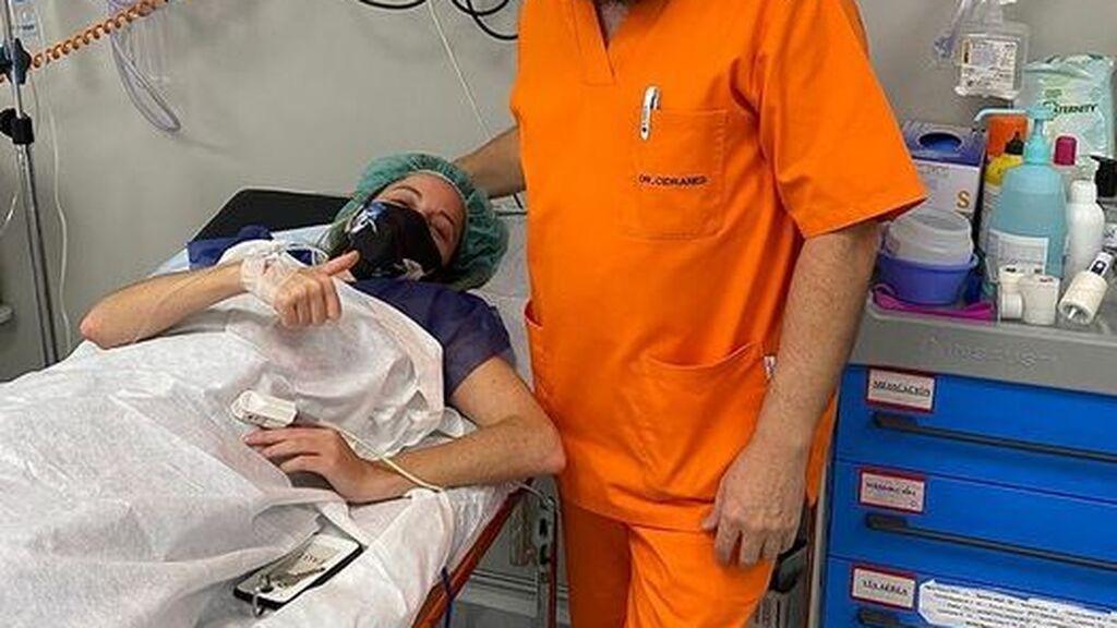 """Andrea Levy publica una foto desde el hospital: """"Nuestro cuerpo nos pide un descanso y se lo hemos de dar"""""""