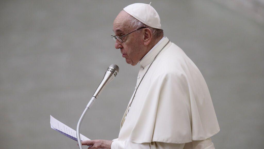 El papa defiende un salario universal y una reducción de la jornada laboral