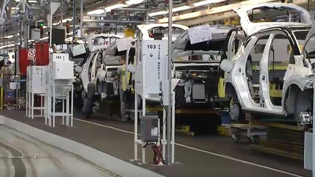 La escasez de semiconductores paraliza el sector del automóvil
