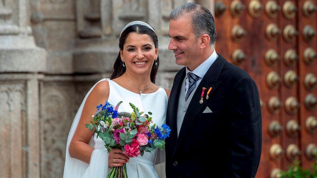 Ortega Smith se casa en Toledo con Paulina Sánchez, directiva mexicana del banco HSBC