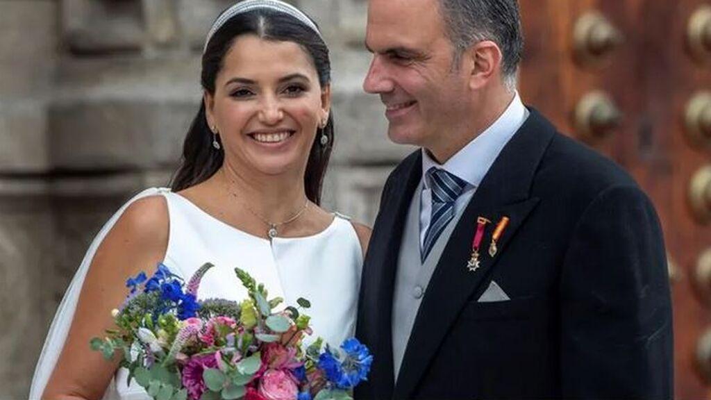 El secretario general de Vox, Javier Ortega Smith, se casa con la mexicana Paulina Sánchez del Río en Toledo