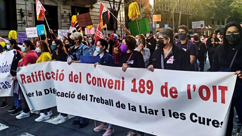 """Manifestación por los derechos laborales de las trabajadoras del hogar en Barcelona: """"No somos esclavas"""""""