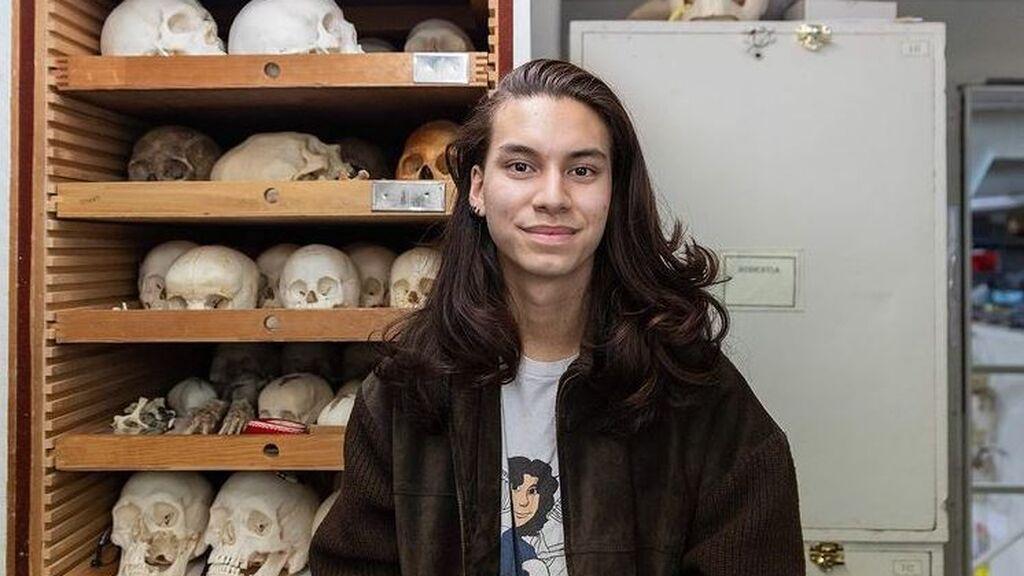 Jonsbones, el joven tiktoker que ha abierto la polémica en la red al vender huesos humanos