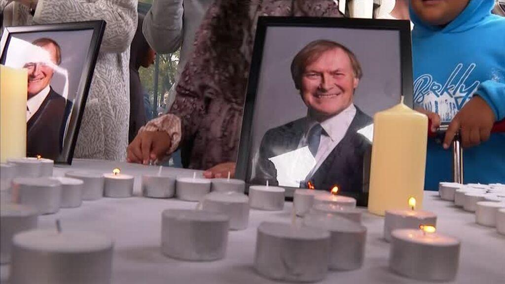 """La Cámara de los Comunes rinde homenaje al diputado británico asesinado en un """"incidente terrorista"""""""