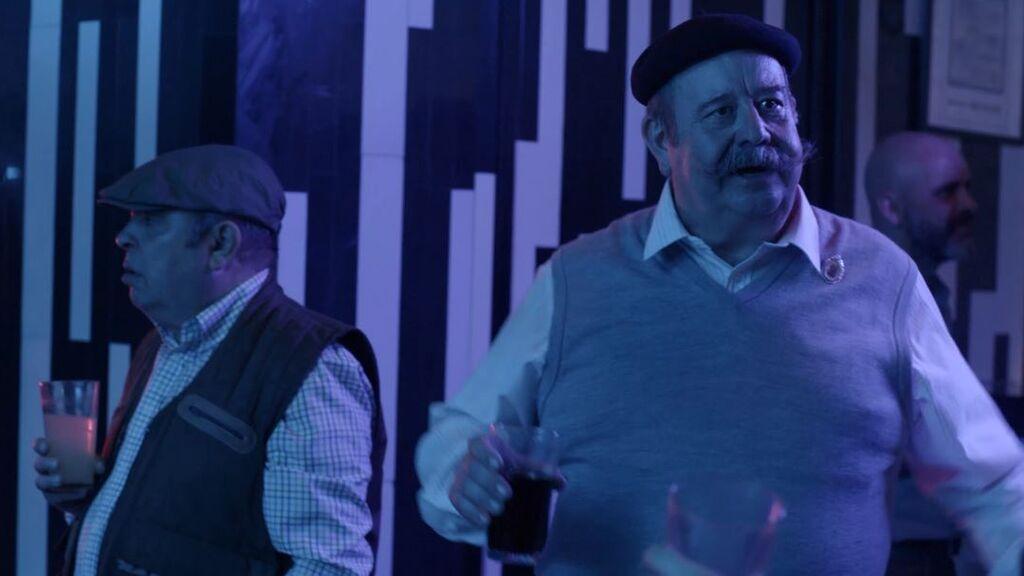 Cándido y Arsacio acaban en una discoteca gay mientras Ovejas vende quesos en el 'Top Manta'
