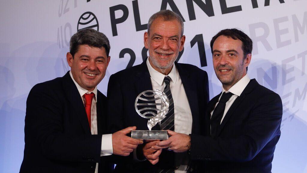 Agustín Martínez, Jorge Díaz y Antonio Mercero se alzan con el Premio Planeta como Carmen Mola