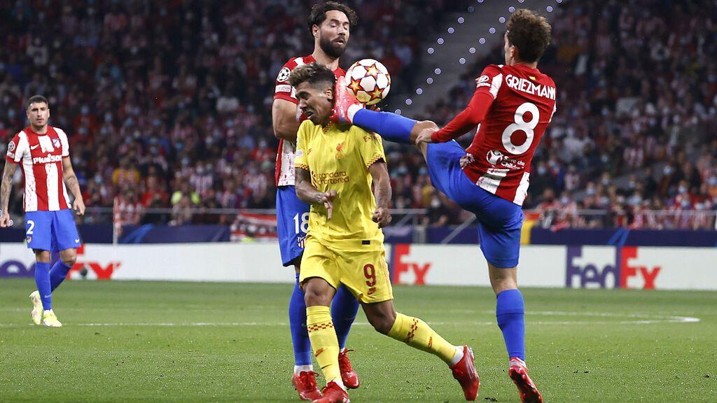 El Atlético de Madrid remonta y cae de penalti ante el Liverpool (2-3)