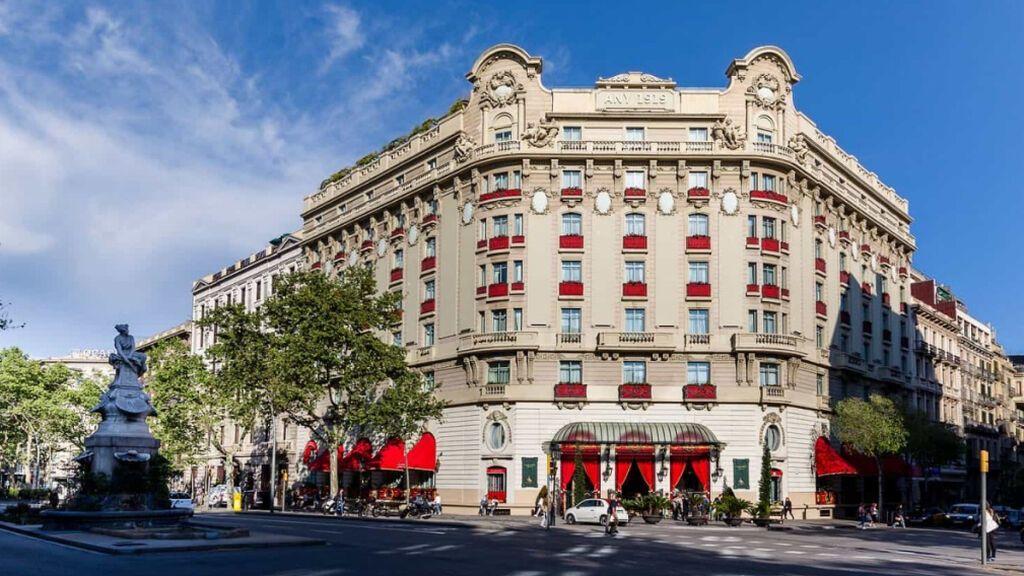 Hackean la cuenta de Instagram del Hotel Palace de Barcelona y piden un rescate de 200 euros
