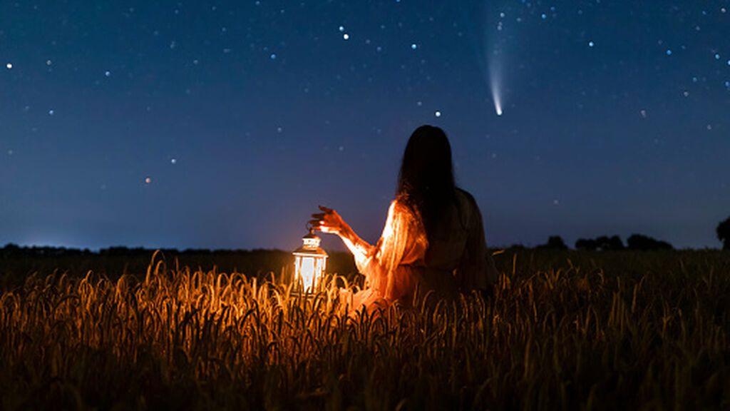 Luna del cazador y Oriónidas: cuándo coinciden el plenilunio y la lluvia de estrellas