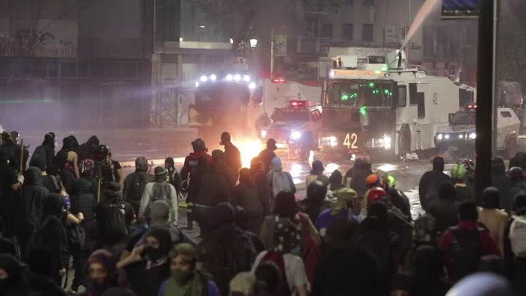 Disturbios, saqueos y decenas de detenidos en el segundo aniversario del estallido social en Chile