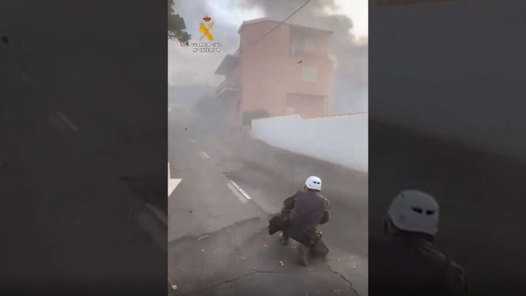El viento complica el trabajo de la Guardia Civil en La Palma