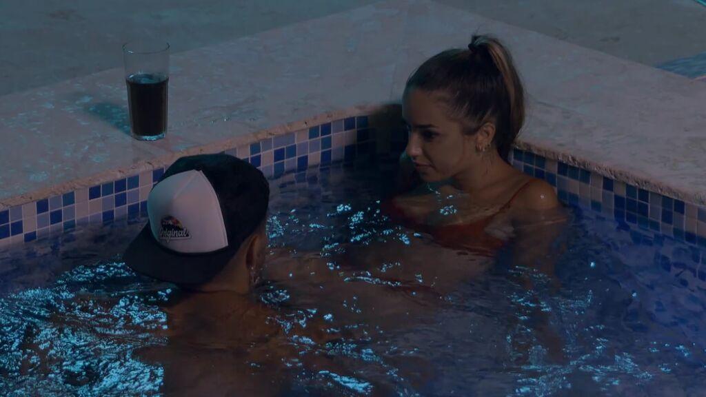 Manuel rompe definitivamente con Andrea y comienza su acercamiento a Lucía