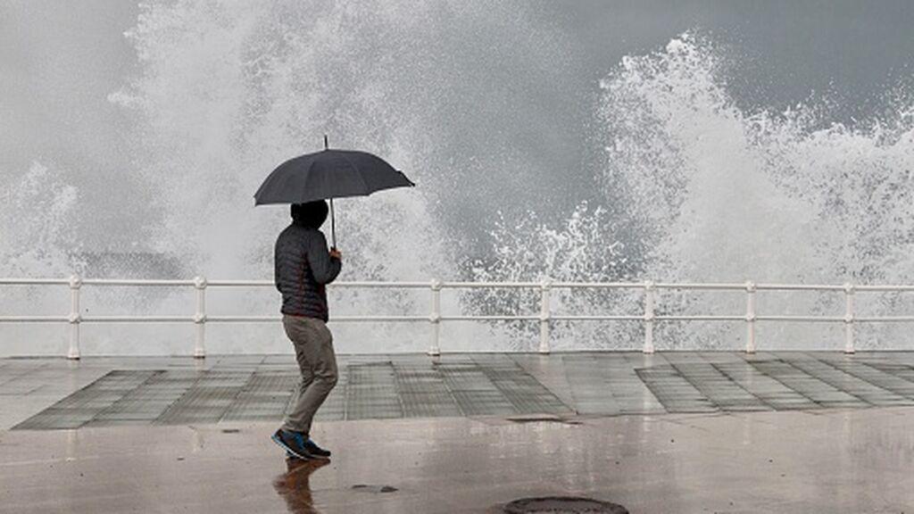 Aviso naranja en estas zonas de España por previsión de fuertes lluvias: caerán más de 100 l/m2