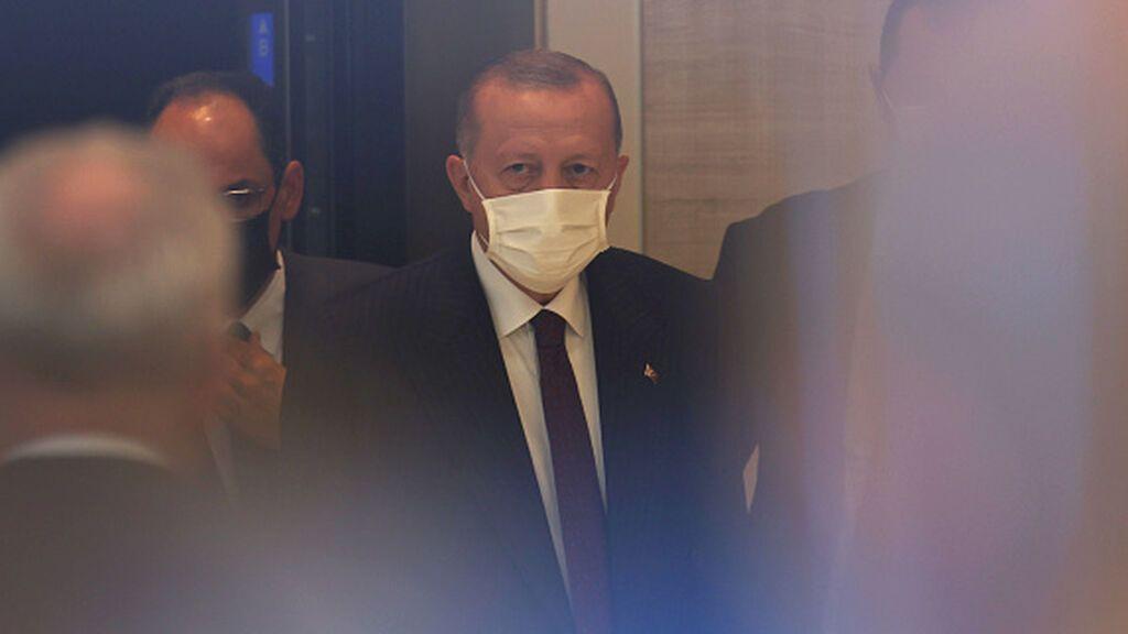 Erdogan amenaza con expulsar a diez embajadores