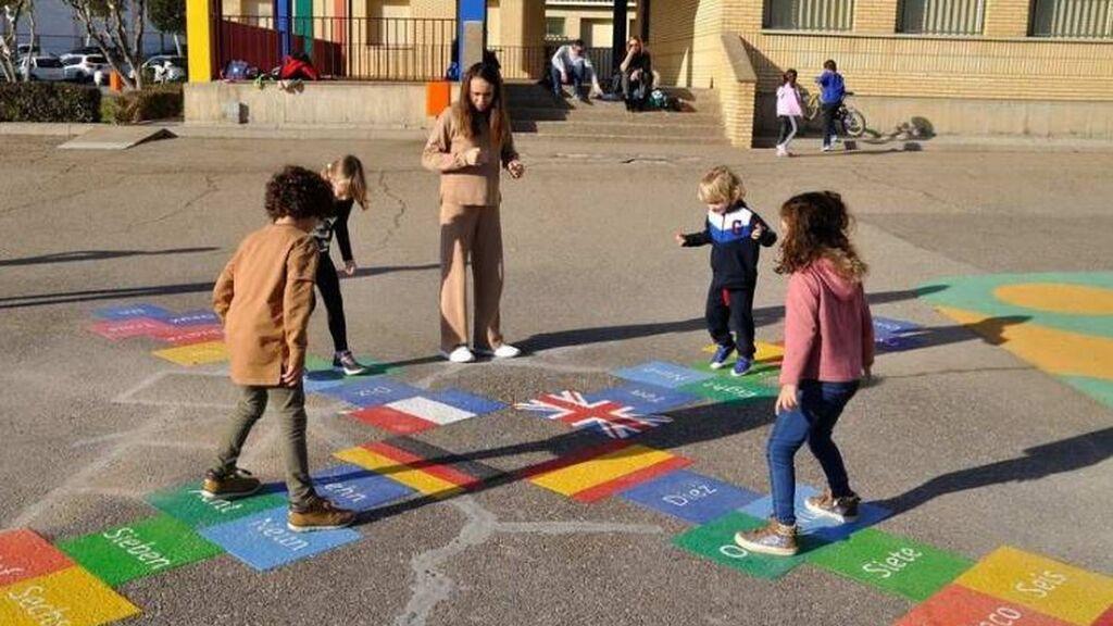 Las mascarillas dejarán de ser obligatorias en los patios de los colegios de Madrid a partir de este lunes
