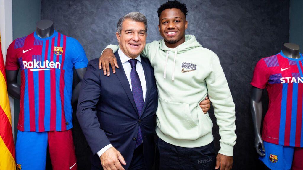 Ansu Fati renueva con el Barça hasta 2027 con una cláusula de 1.000 millones