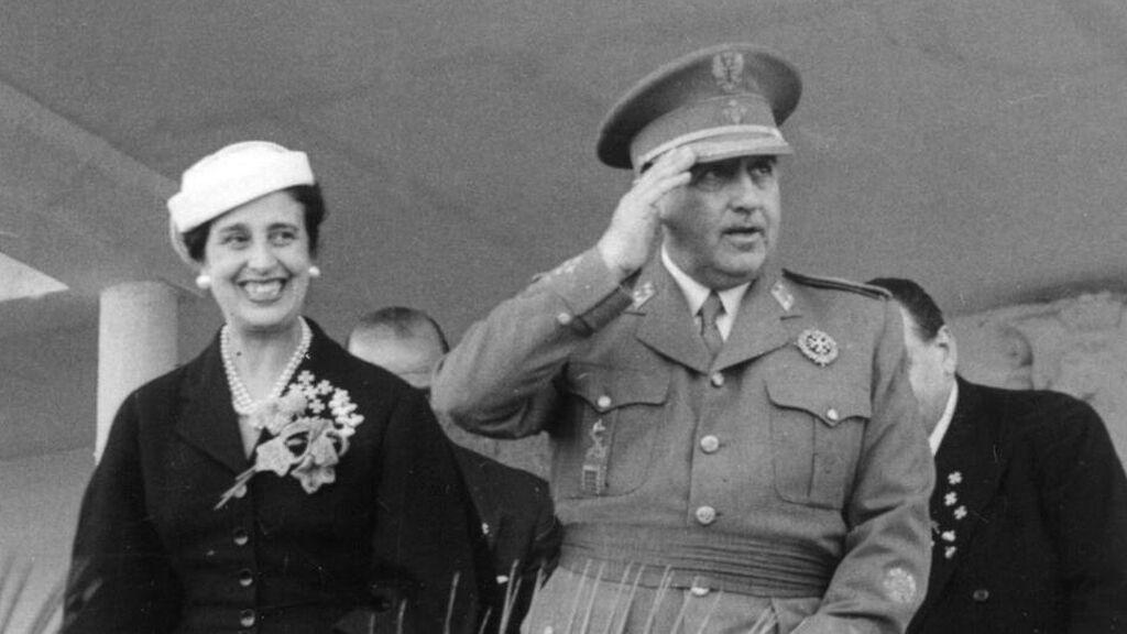 """Carmen Polo """"daba maltrato"""" a Francisco Franco: los detalles y los miedos del dictador"""