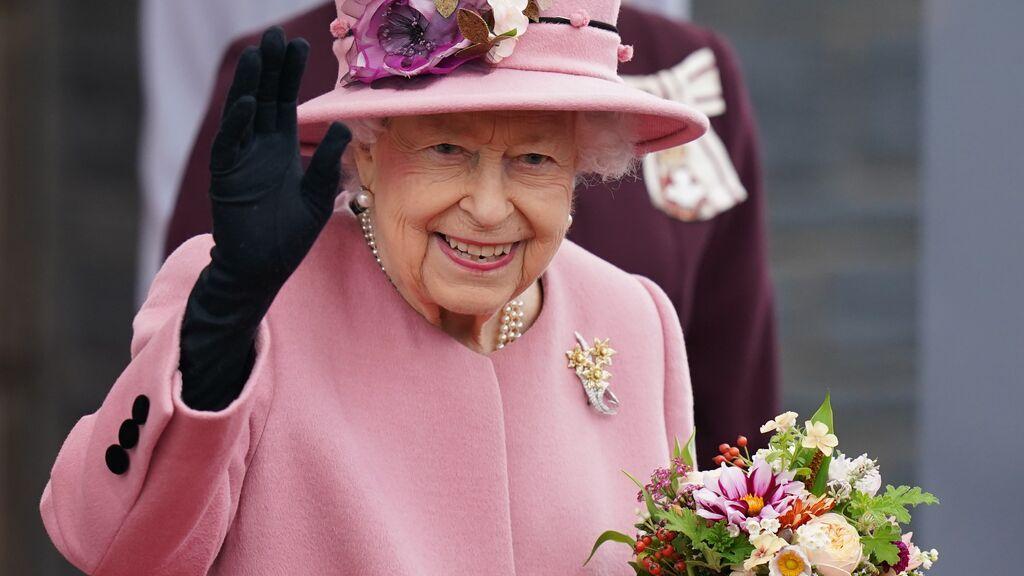 La reina Isabel II de Inglaterra sale del hospital y vuelve a casa