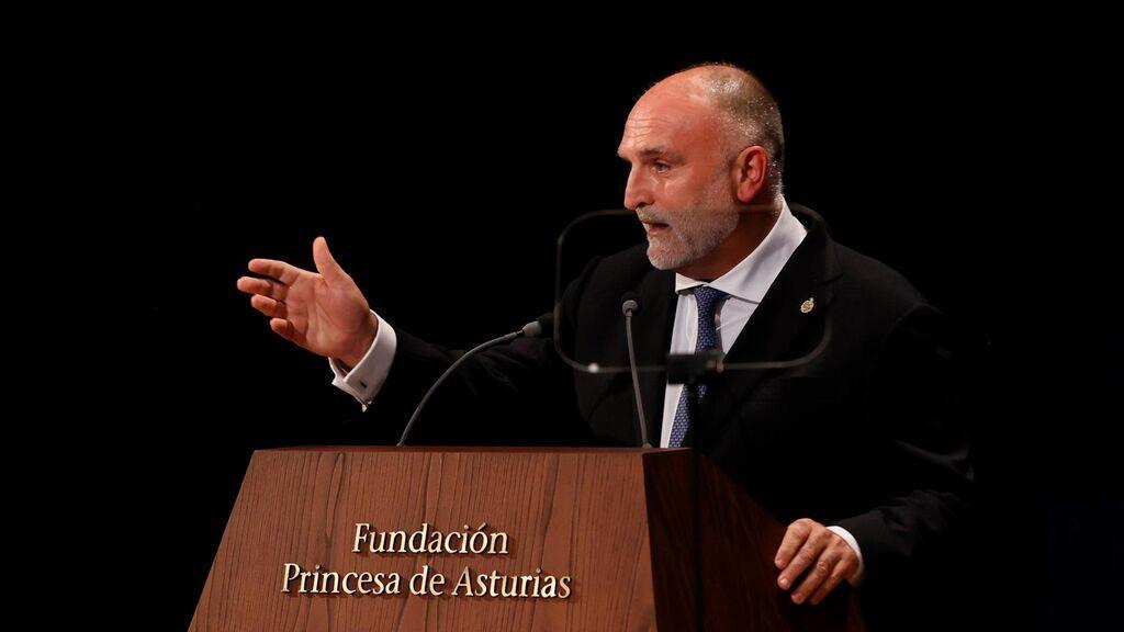 """El chef José Andrés durante el Premio Princesa de Asturias: """"El mundo necesita mesas más largas y no muros más altos"""""""