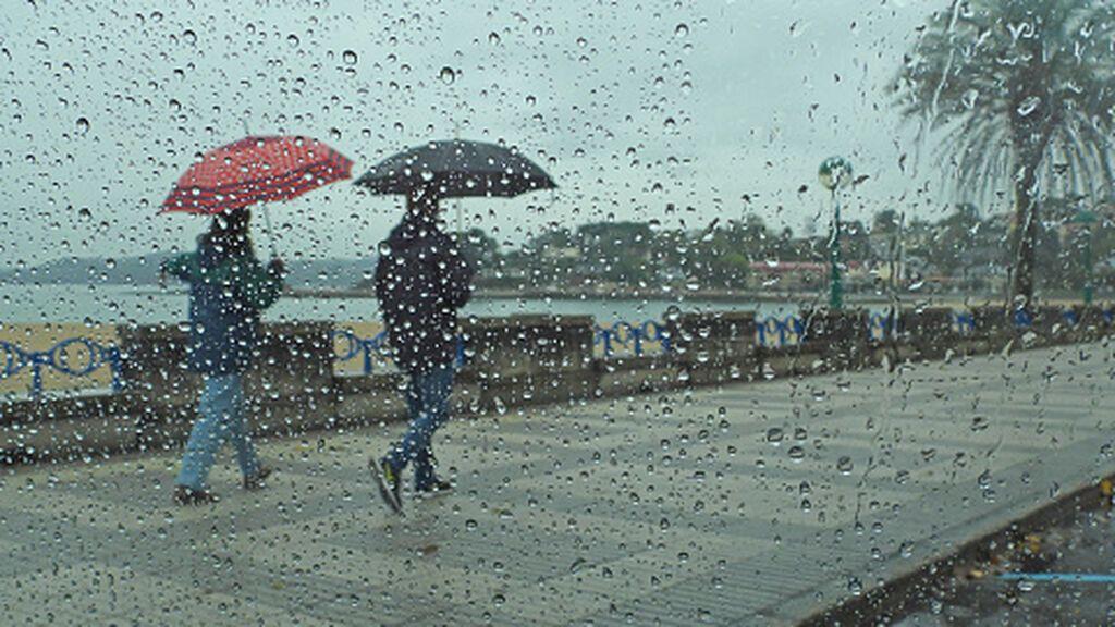 Un frente causará lluvias persistentes en el norte: el tiempo que hará el lunes en España