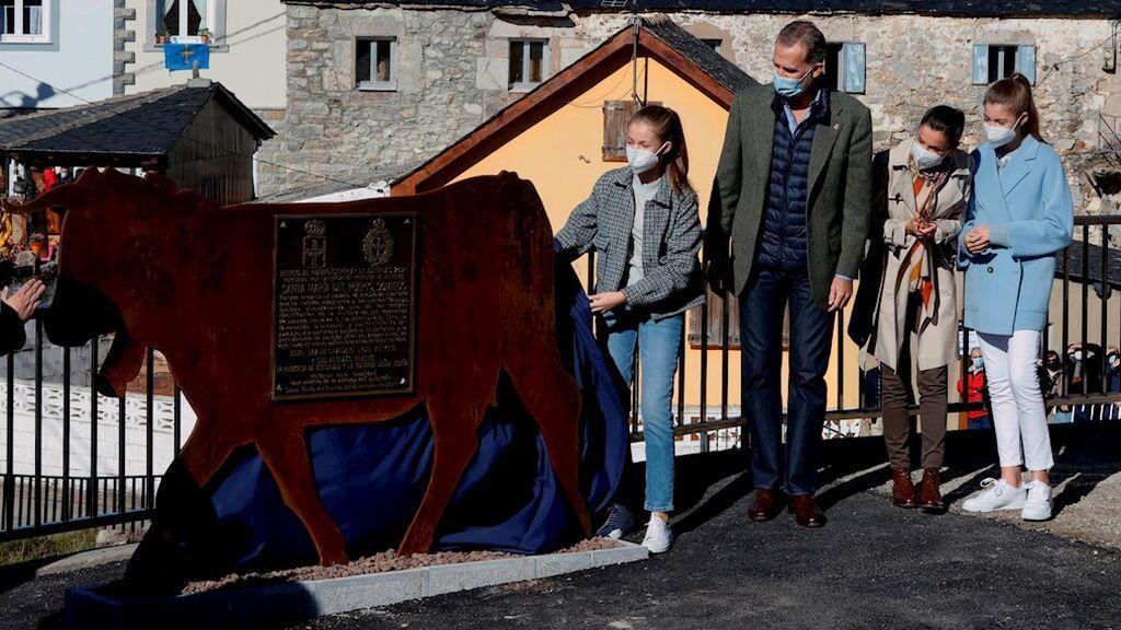 La Familia Real visita Santa María del Puerto, Pueblo Ejemplar de Asturias 2021