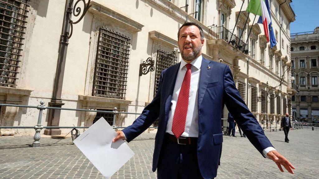 El Ayuntamiento de Barcelona celebra el procesamiento de Salvini por el caso del 'Open Arms'