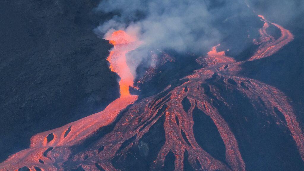Los derrames de lava ensanchan la colada parada en La Laguna y reactivan las otras