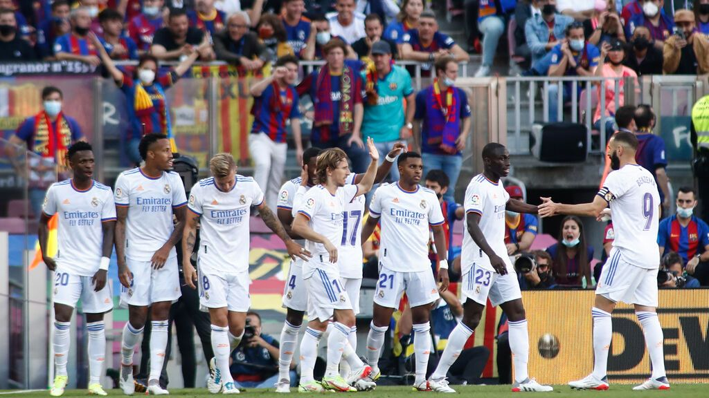 El Real Madrid se impone al Barça con un 2-1 en un Camp Nou con 86.000 espectadores