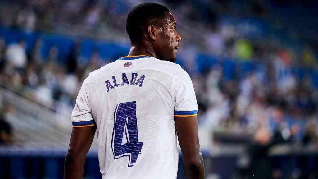 Alaba se estrena en 'El Clásico' con un golazo tras su particular ritual: leyó capítulos de la Biblia para conjurarse