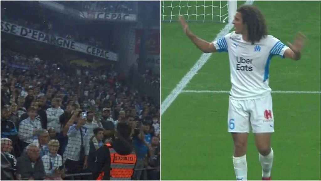 Vergonzosa actuación de los ultras del  Marsella: lanzamiento de objetos y bengalas en pleno partido