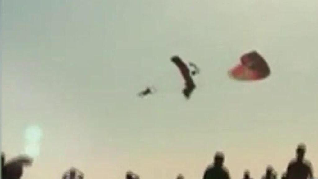Choque de tres parapentes en un festival en Turquía