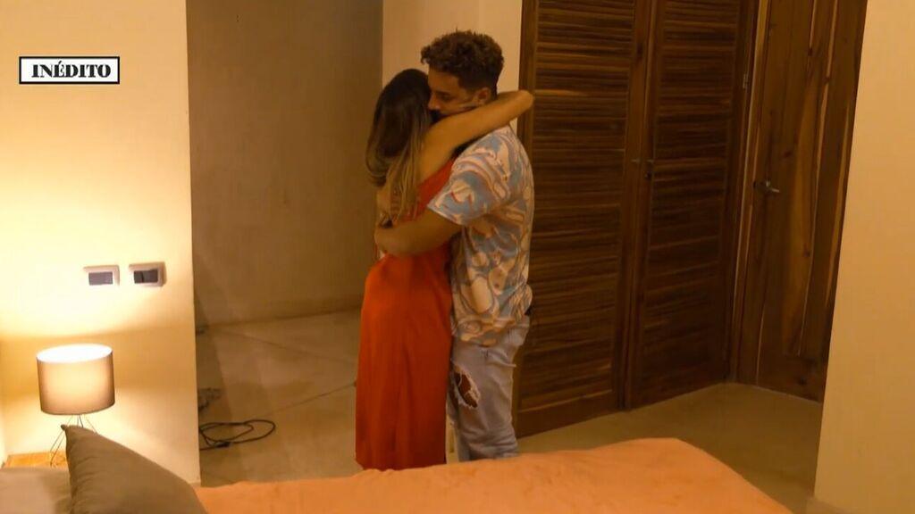 """La emotiva despedida de Manuel y Lucía antes de su hoguera de confrontación con Isaac: """"No quiero que te vayas"""""""