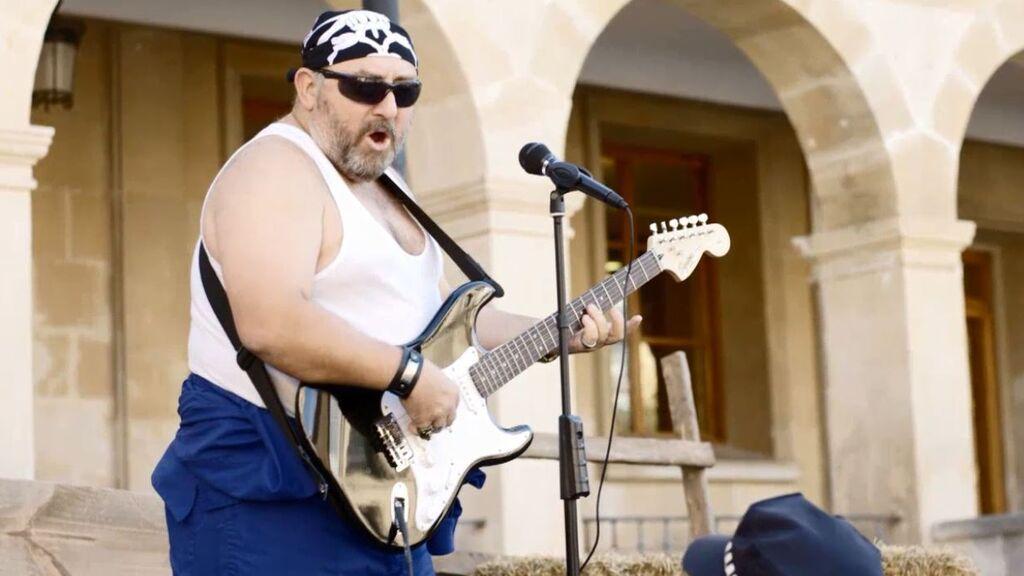 'El Ovejas' ahora es cantante de rock: compone un tema que lo peta