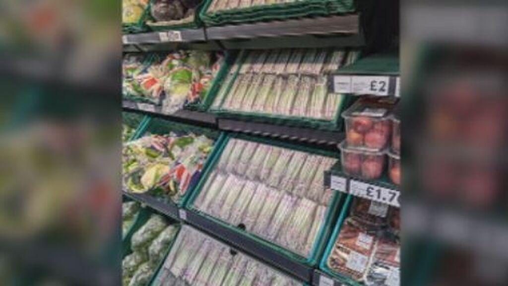 Recortes de cartón, la solución de los supermercados británicos para disimular el desabastecimiento