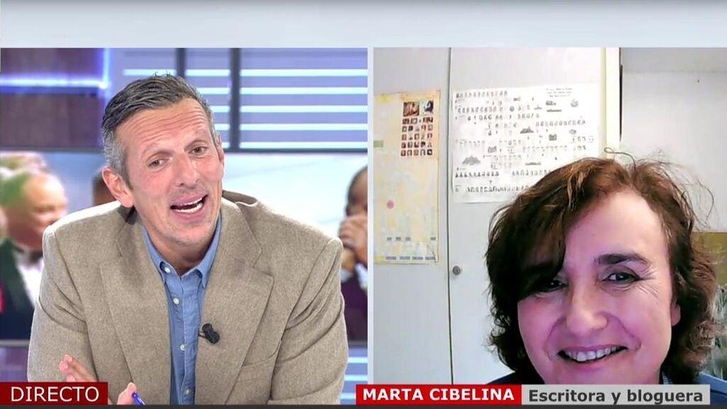 """Marta Cibelina, escritora: """"El Rey emérito genera mucha envidia porque no se entiende como, pasado los 80, puede hacer el amor tres veces al día"""""""