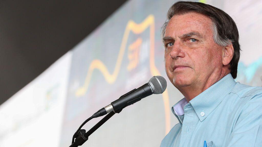 Facebook retira un vídeo de Bolsonaro en el que vincula la vacuna de la covid con el sida