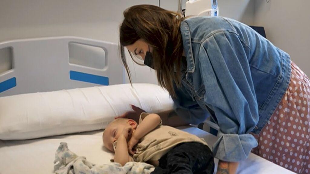 Milos, el bebé de ocho meses operado en España gracias a la medalla de María Andrejczyk