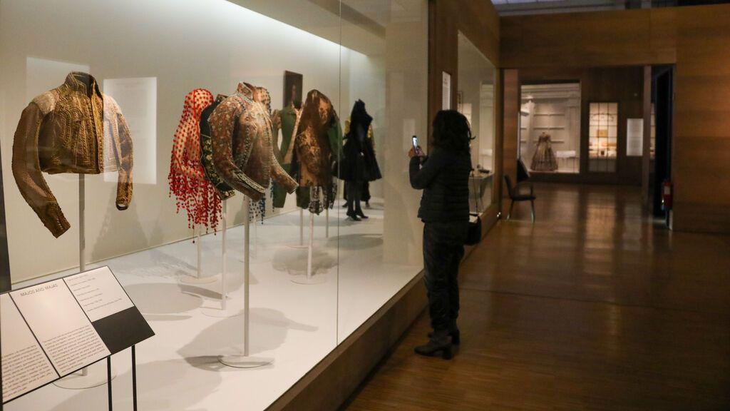 Reabre el Museo del Traje en Madrid con más de 500 piezas inéditas