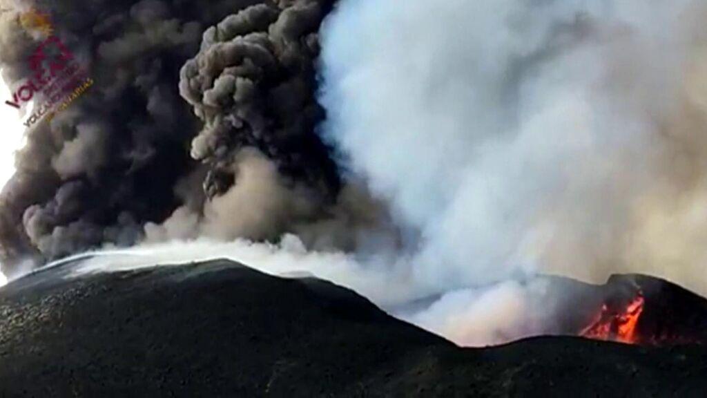 Las coliflores de humo que deja el volcán de La Palma: qué son