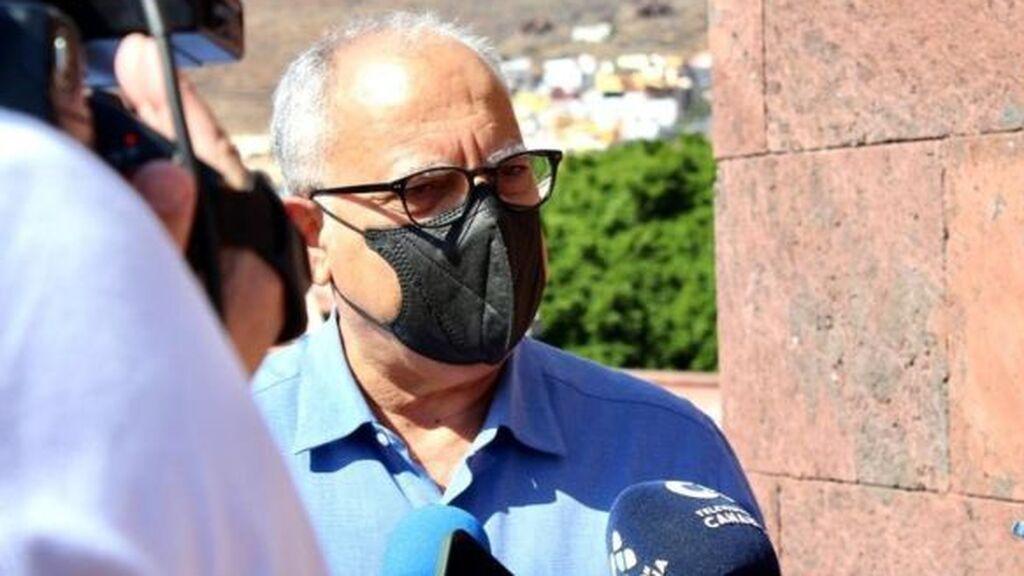 El presidente del Cabildo de La Gomera propone bombardear el volcán de La Palma para reorientar las coladas de lava