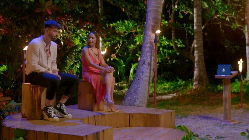 Lucía defiende a Manuel y deja a Isaac
