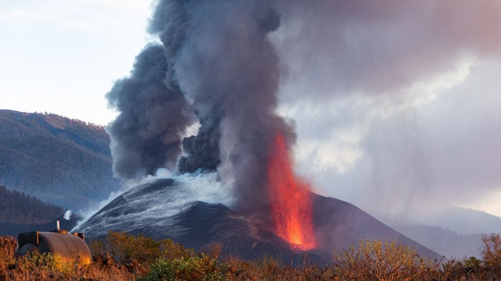 Volcán de La Palma: revierte la deformación del terreno, pero las coladas primigenias crecen en altura y espesor