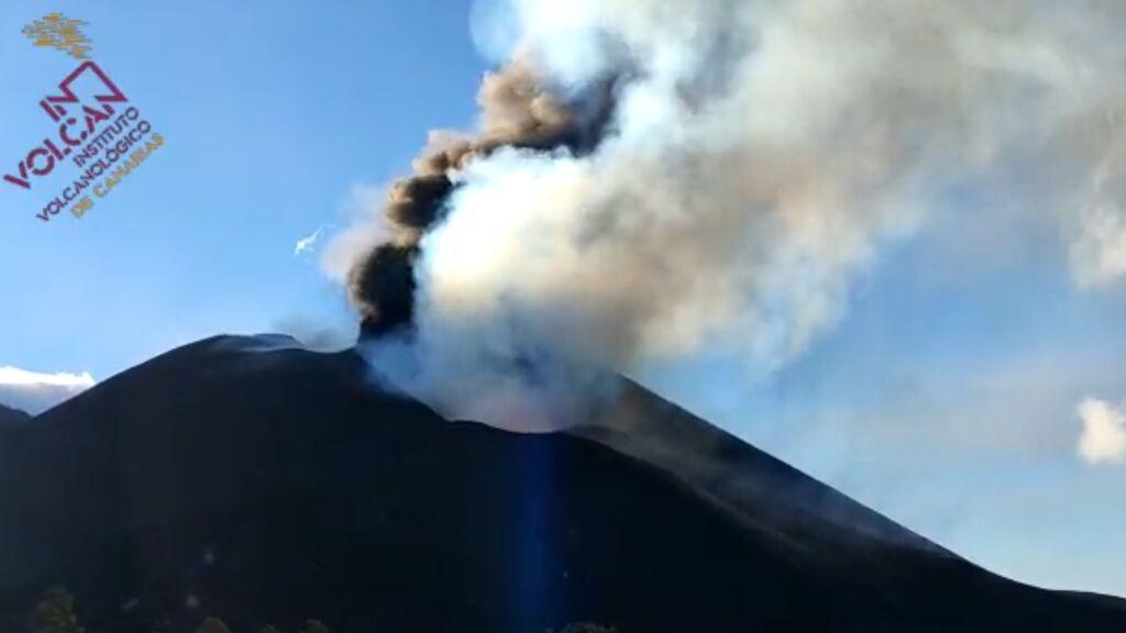 Así está el cono del volcán de La Palma tras los últimos derrumbes