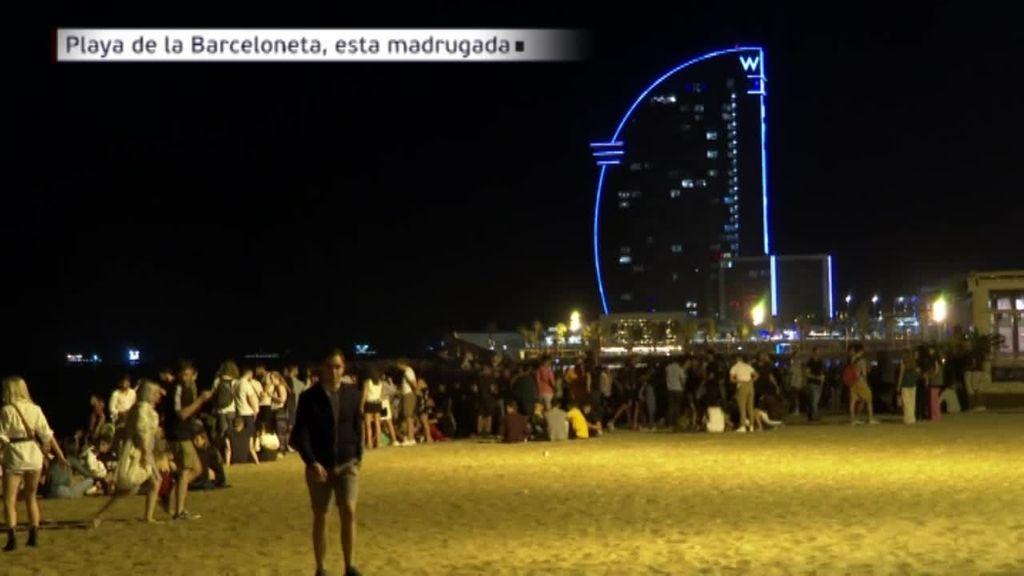 Miles de jóvenes salen de botellón sin respetar las normas durante la noche de este viernes