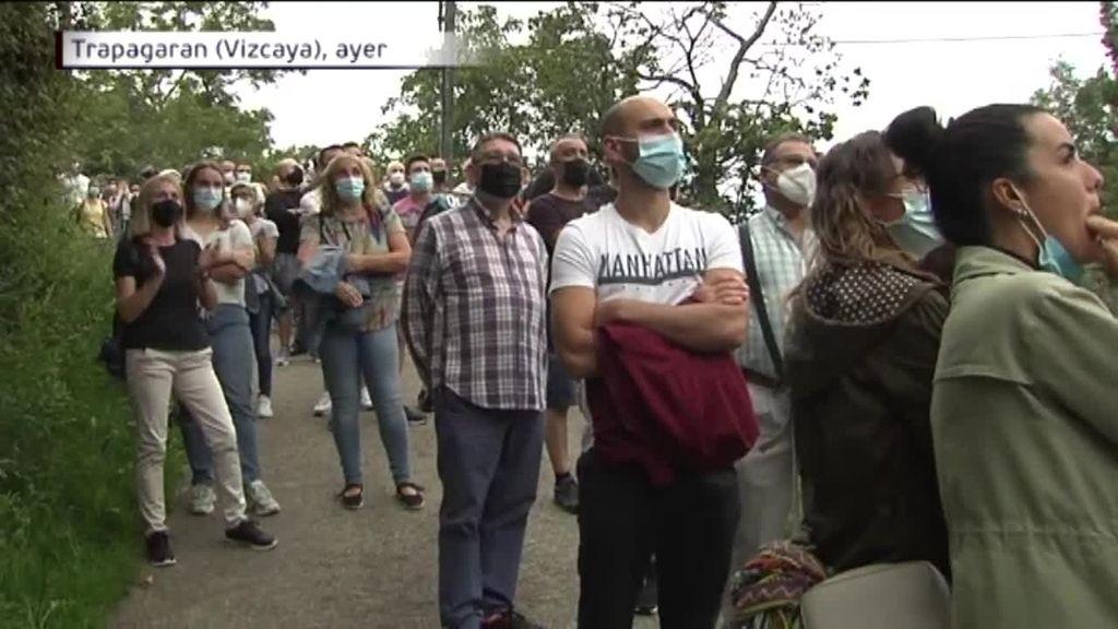 Tensión en Trapagaran, Vizcaya, los vecinos se rebelan contra la okupación de la casa de un octogenario