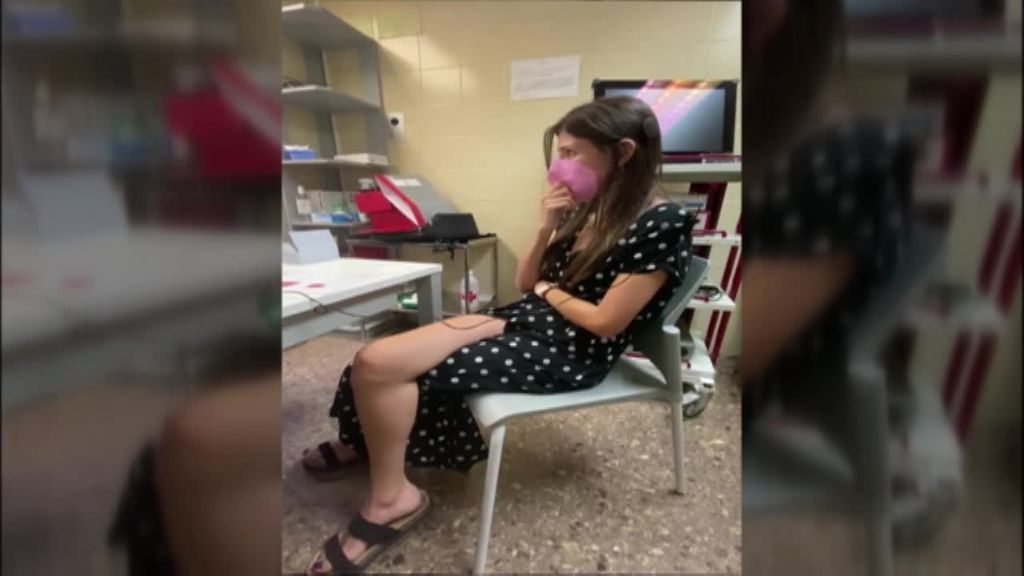 Emoción indescriptible al volver a oír: la joven Noah Higón recupera la audición con un implante coclear