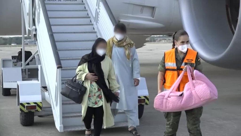 España acelera la evacuación en Afganistán