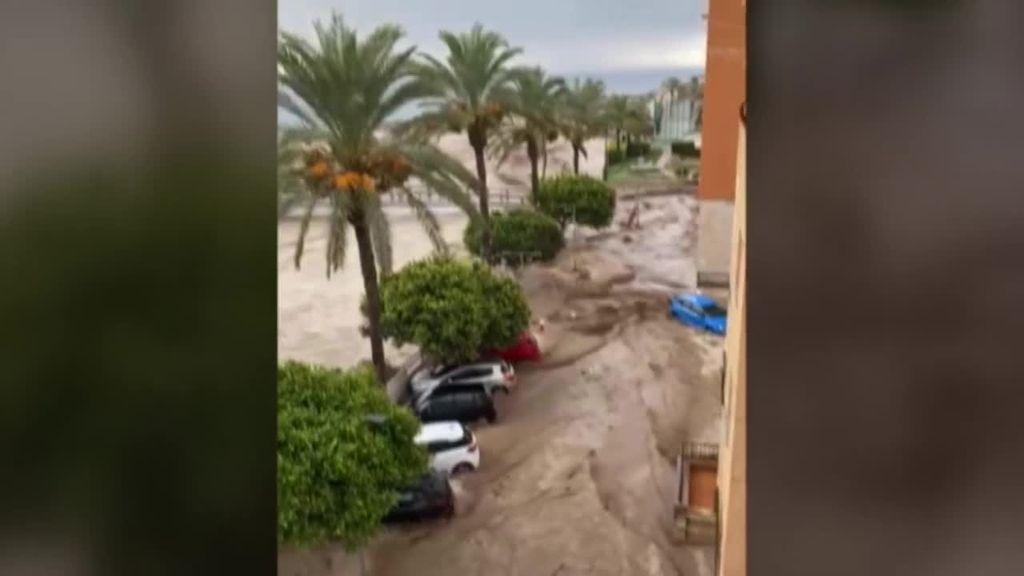 Murcia sufre los últimos coletazos de la gota fría: en Águilas, la tromba de agua ha inundado el municipio