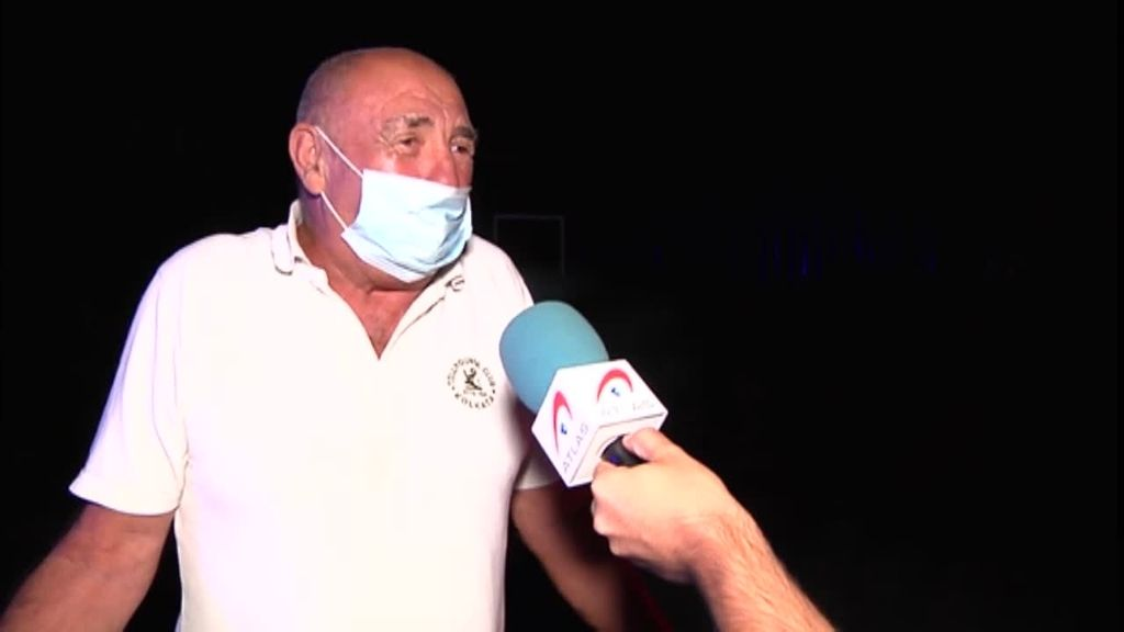 """""""He venido a por mis medicinas"""": los vecinos de Estepona huyen de las llamas con lo puesto"""